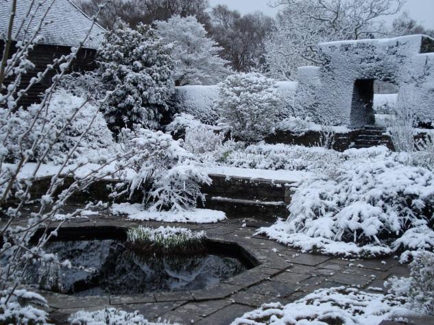Great Dixter, sunk garden,  2008