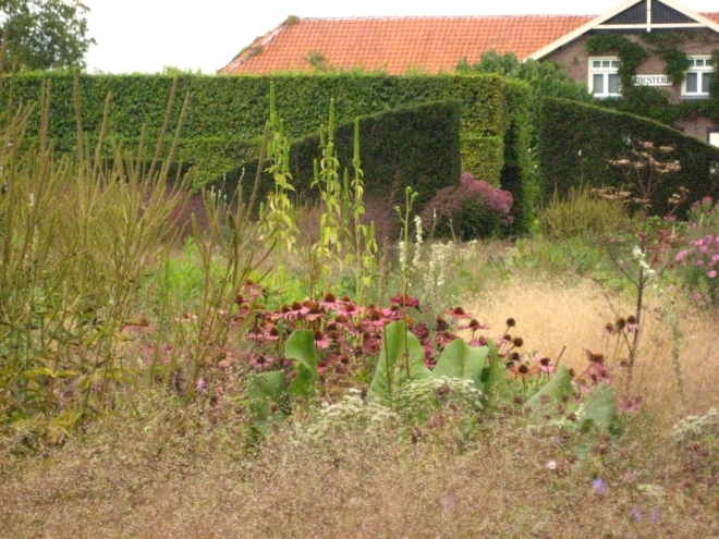 Hummelo, Hedge and House