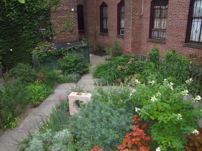 Brooklyn Garden, plinth et al.